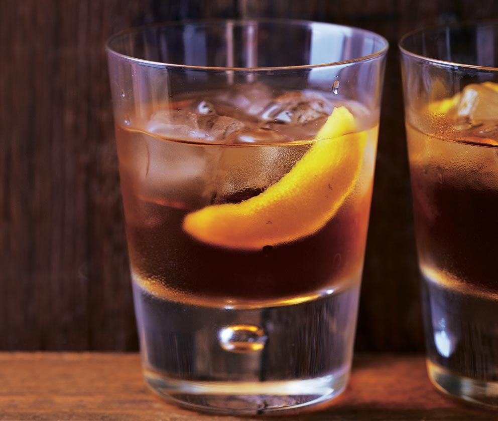 5 Classic Whisky Cocktails for Burns Night