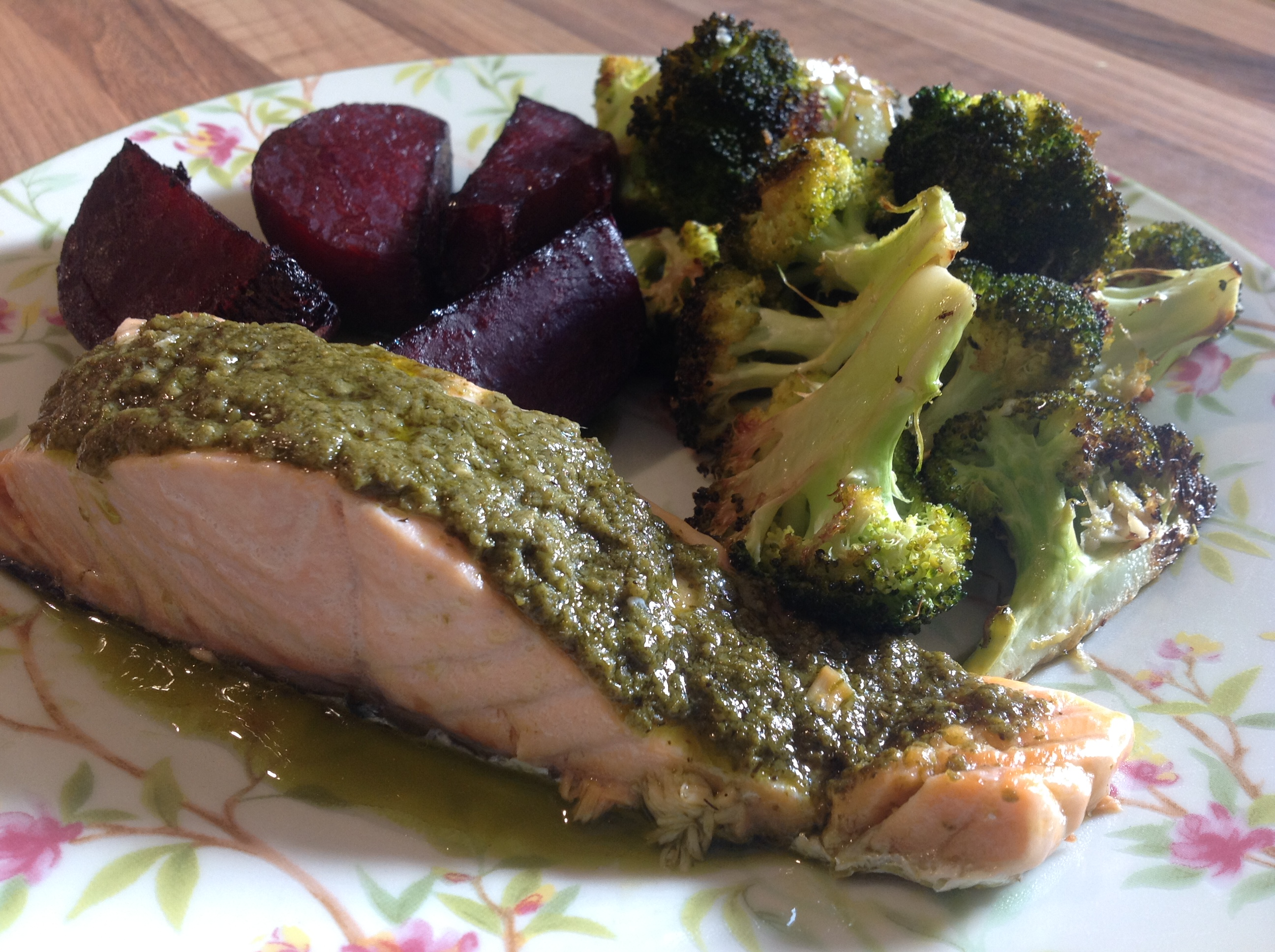 Salmon Fillet with roasted broccoli and beetroot